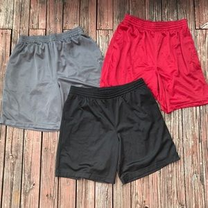 3 Pairs of men's athletic basketball shorts large